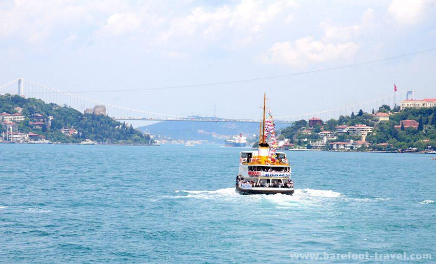 Istanbul Bosphorus Cruise – Two continents Barefoot Travel - Turkey Tours  B...